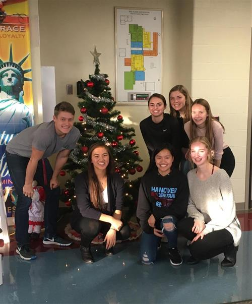 NHS Members decorate tree